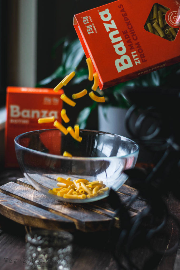 eatbanza, chickpea pasta, food photography, food styling, action in food photography, pasta