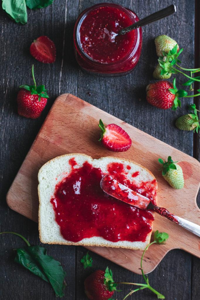 strawberries, strawberry, strawberry food photography, strawberry food styling, strawberry flatlay, strawberry jam, strawberry instant pot jam, bread and jam