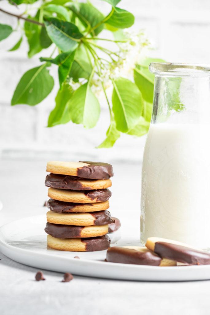 Condensed milk cookies, cookies photography, cookies food styling, chocolate coated cookies, recipe for condensed milk cookies, condensed milk cookie recipe, sweetened condensed milk cookies, condensed milk butter cookies, no eggs cookies