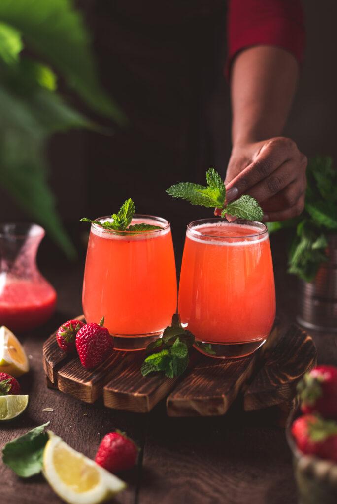 Strawberry lemonade, lemonade recipe, easy strawberry lemonade recipe, summer drink, chilled drink, easy dessert recipe